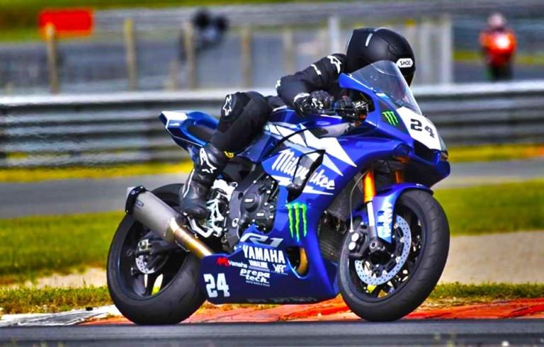Yamaha R1 2017